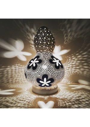Dekoratif lamba çiçek motifi…