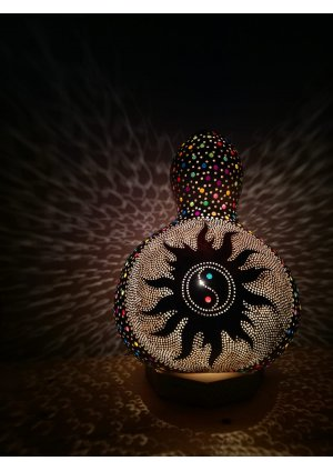 Renkli yin yang su kabak lamba…
